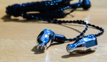Comet Review from Earphonia – Excellent Value, Solid Body, Steampunk Design